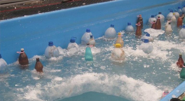 Консервация прудов и водоемов на зиму при помощи бутылок