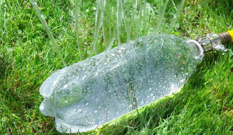 Насадка-разбрызгиватель из пластиковой бутылки