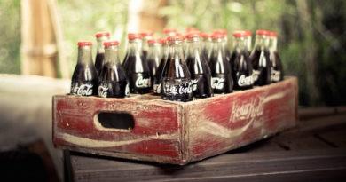 Полезное применение Кока-Колы в огороде